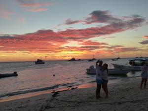 Traumhafter Sonnenuntergang am Hafen von Gran Roque